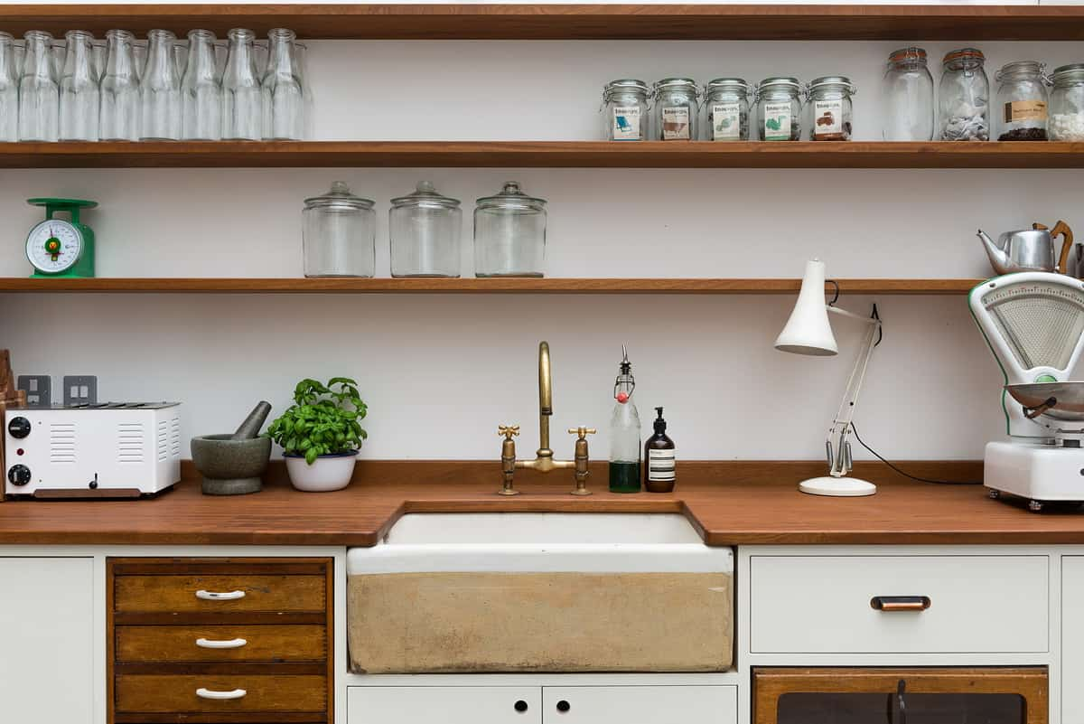 The cooles kitchen ever shelves