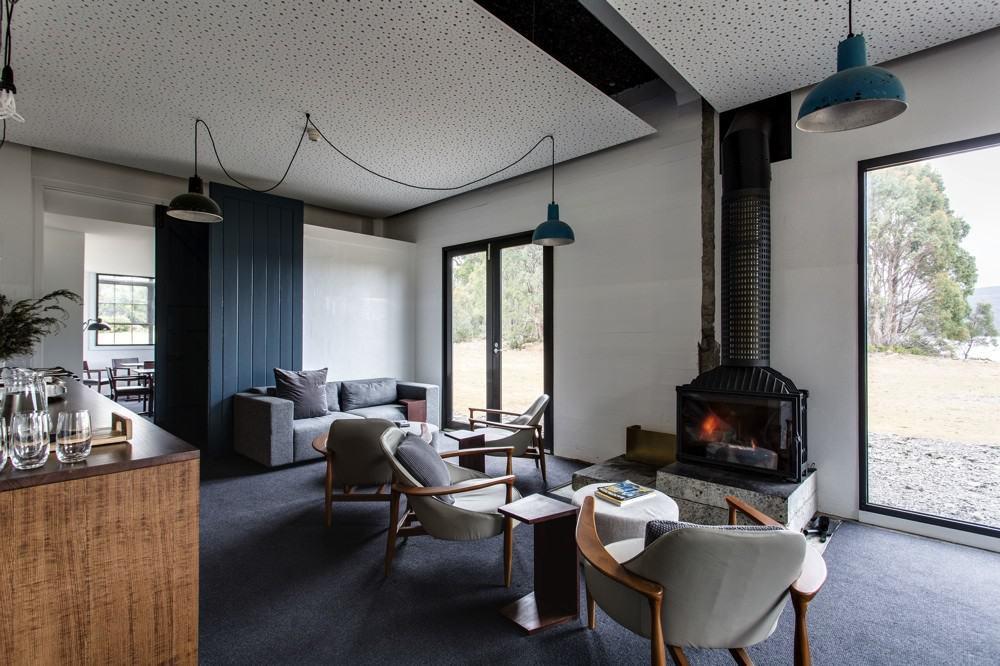 The shorehouse's living room
