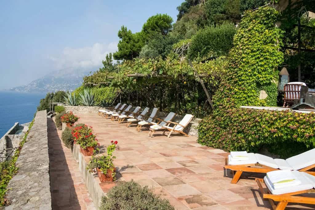 Villa Luisa sunbeds overviewing the Tyrrhenian Sea