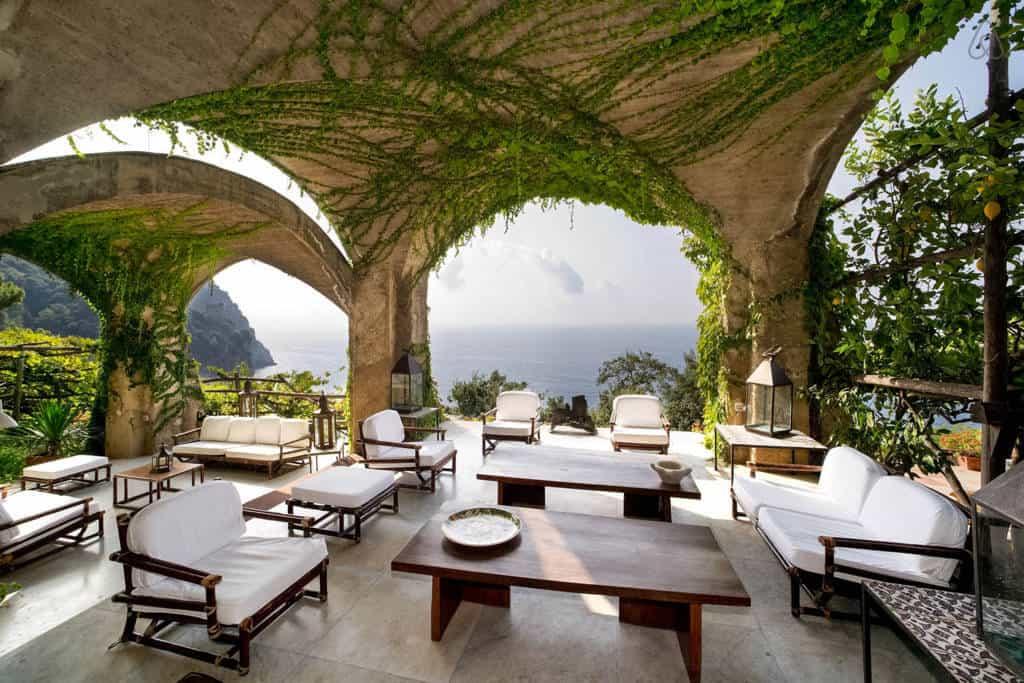 Villa Luisa outdoor lounge area