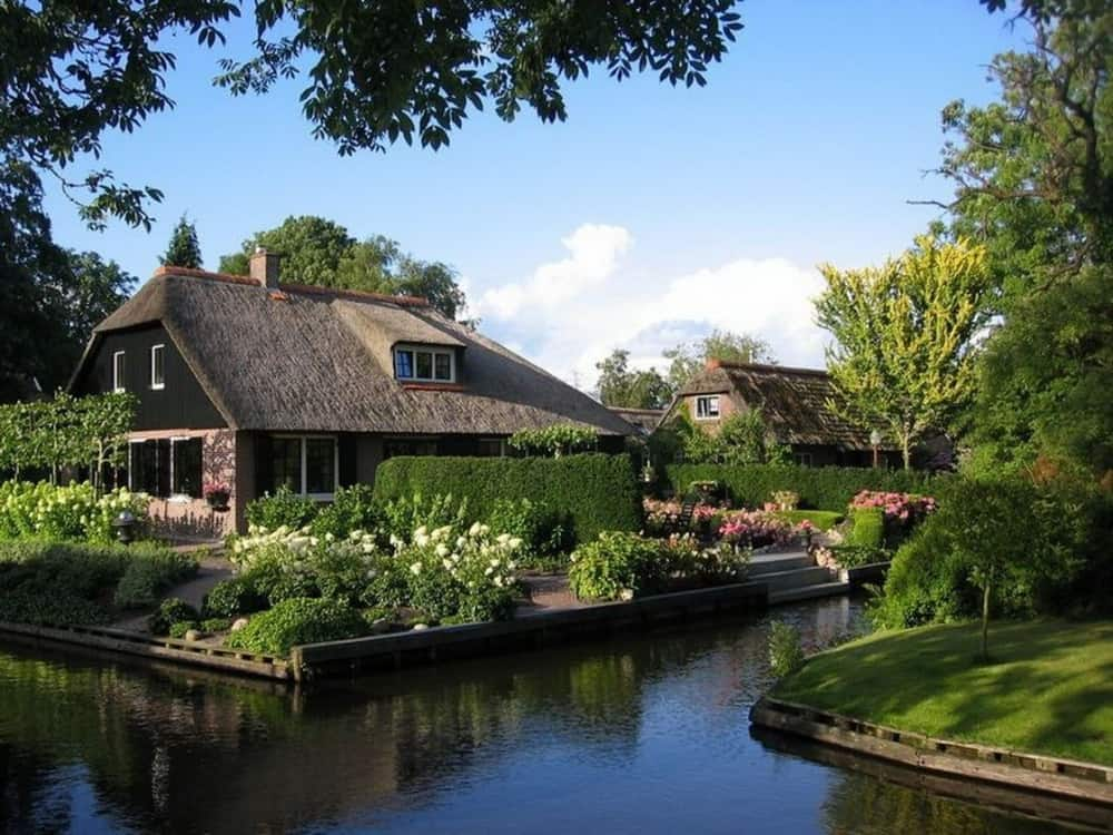 Wanderful village of Giethoorn 4