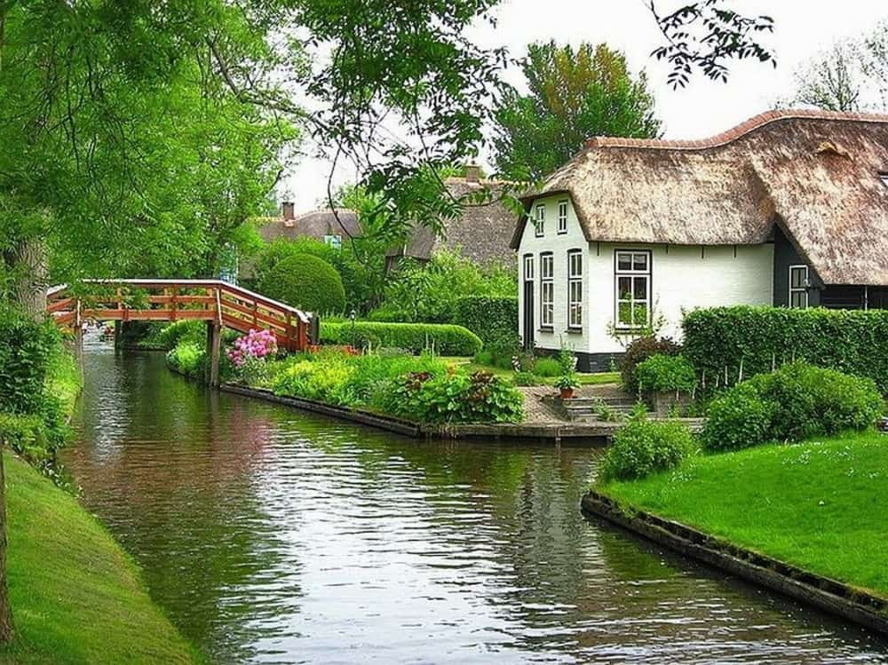 Wanderful village of Giethoorn 5