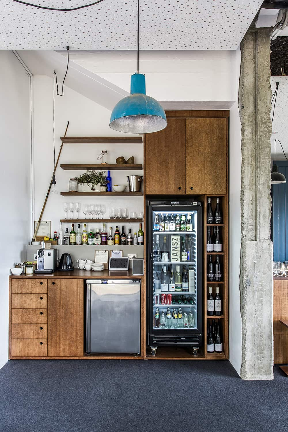 Server-yourself bar available in both Shorehouse and Pumphouse
