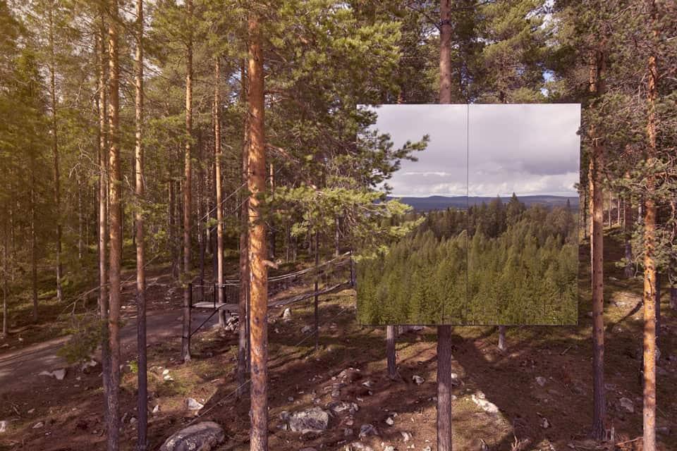mirror cube exterior