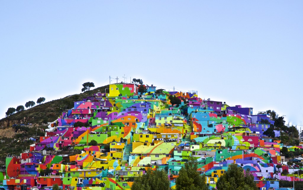 Pachuca, Mexico has one of be biggest building murals you've ever seen.