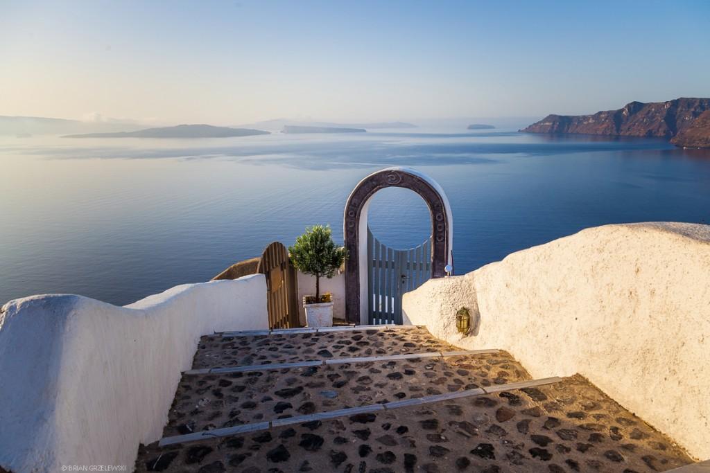 doorway-in-Santorini