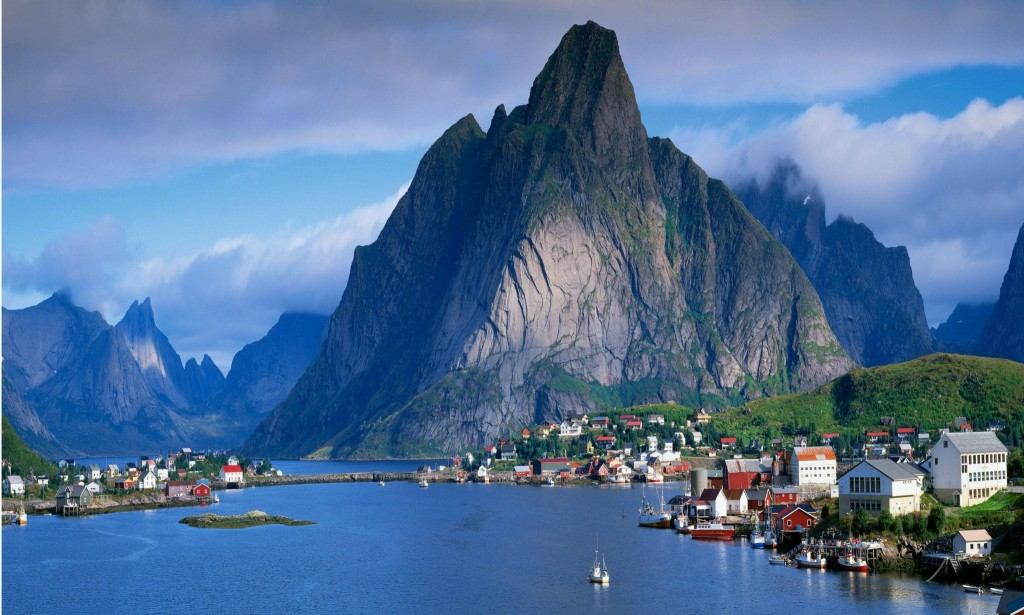 Norway is a fantastic place for wanderlusters, with stunning views from every corner.