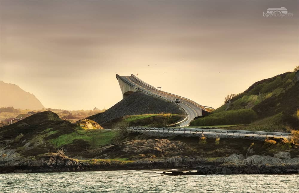 One of the world's most frightening bridges, the Storseisundet. Photo by Benjamin gs