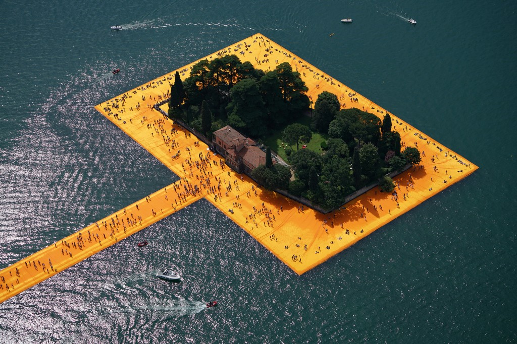 People visiting The Floating Piers, Lake Iseo, Italy. Photo Wolfgang Volz