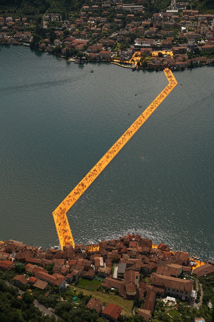 People visiting The Floating Piers, Lake Iseo, Italy. Photo Wolfgang Volz 5