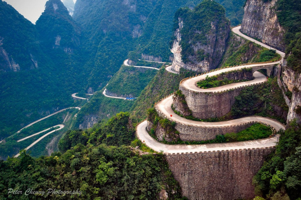 Road to Tianmen Mountains, Zhangjiajie. Photo by Peter Cheung