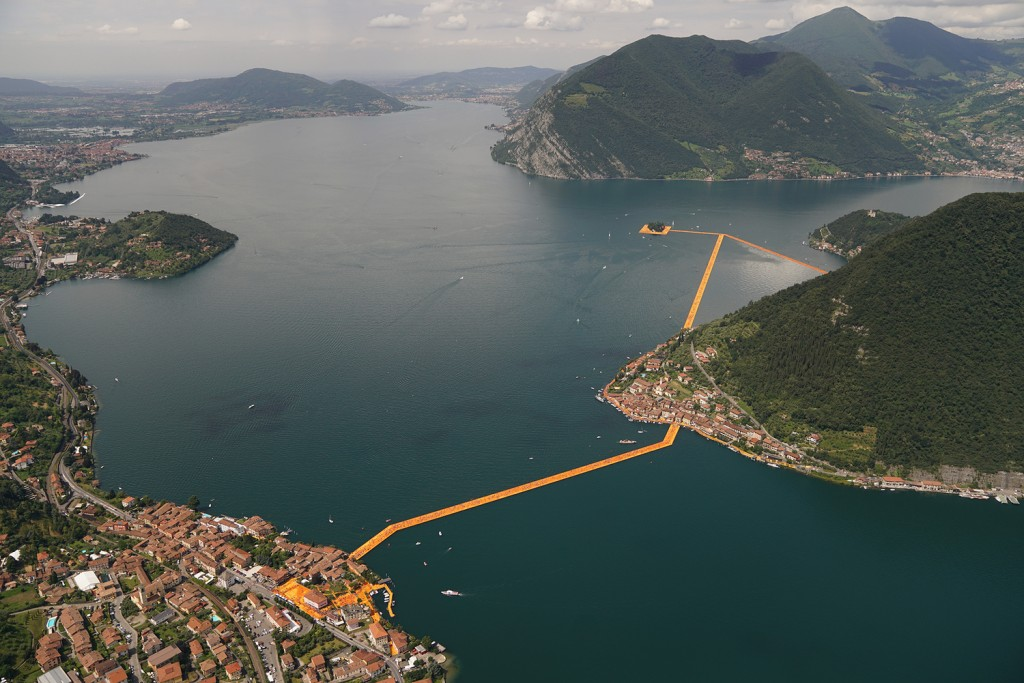 Seen from above - People visiting The Floating Piers art installation, Lake Iseo, Italy. Photo Wolfgang Volz