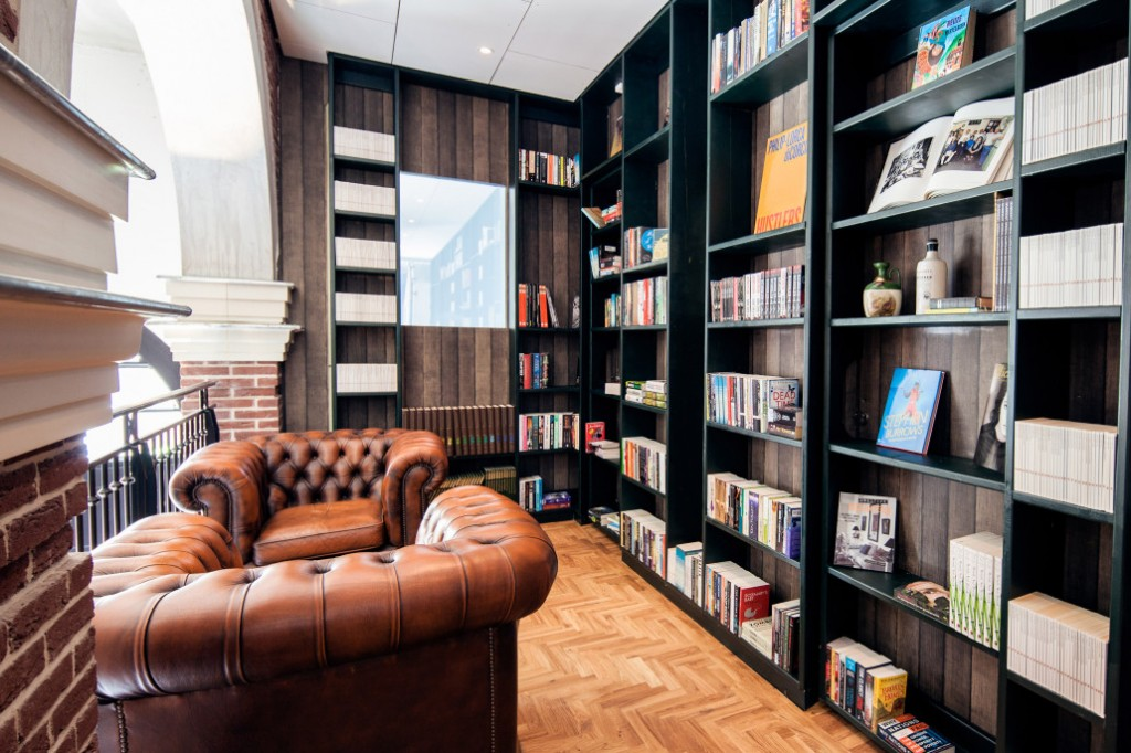 SECRET BOOKCASE 'XL' room