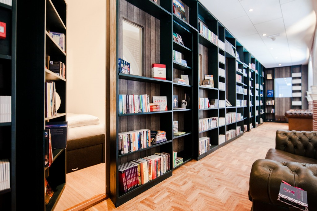 Secret Bookcase room M