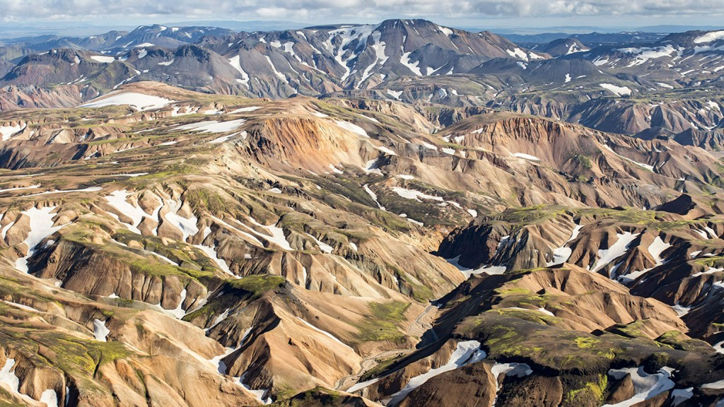 scenic-flight-over-unspoiled-natural-wonders-of-iceland-33