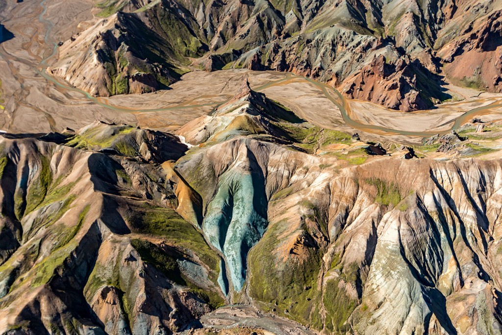 scenic-flight-over-unspoiled-natural-wonders-of-iceland-11