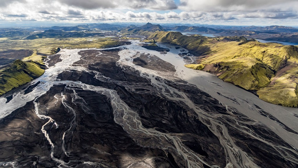 scenic-flight-over-unspoiled-natural-wonders-of-iceland-15