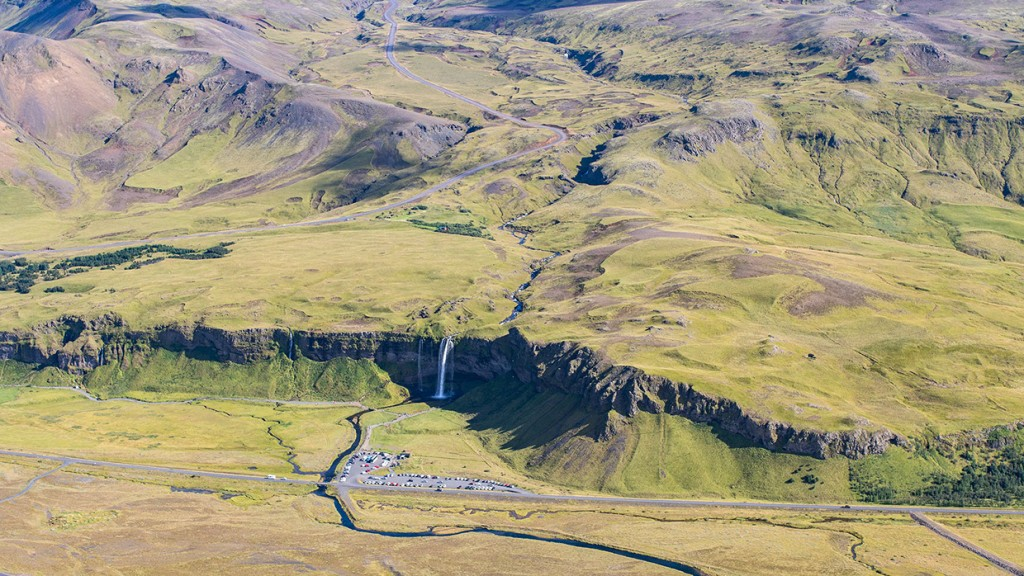scenic-flight-over-unspoiled-natural-wonders-of-iceland-17