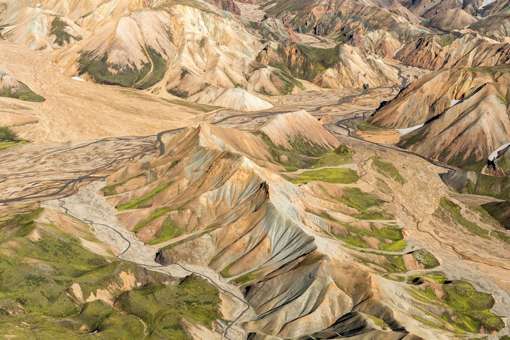 scenic-flight-over-unspoiled-natural-wonders-of-iceland-19
