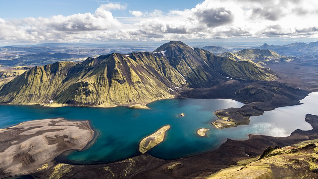 scenic-flight-over-unspoiled-natural-wonders-of-iceland-23