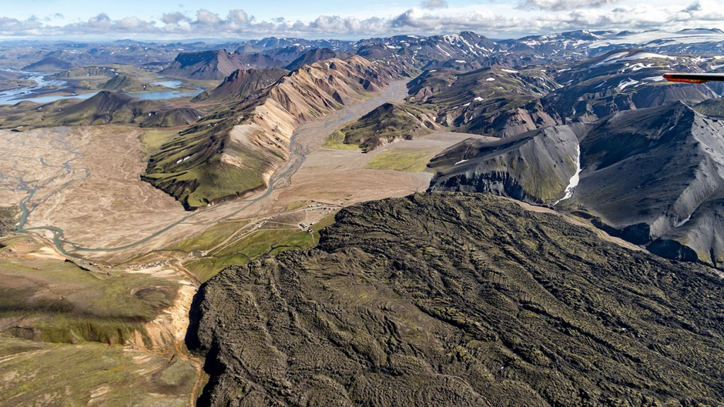 scenic-flight-over-unspoiled-natural-wonders-of-iceland-7
