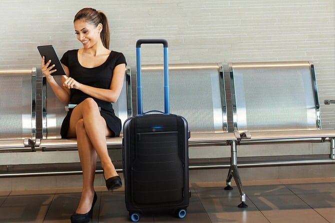 "Bluesmart's measurements (22"" x 14"" x 9"") fit the standard carry-on size for all major airlines."